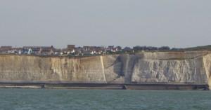 Trapp i klippeveggen  ned til stranda